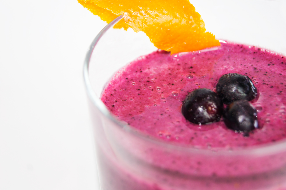Orange Blueberry Smoothie, smoothie recipe, smoothie recipes, orange smoothie, blueberry smoothie, orange blueberry, drink recipes, drink recipe, healthy, fitness, fitness food, healthy recipe, healthy recipes, fitness recipes, breakfast, breakfast recipe, breakfast recipes, healthy breakfast, healthy breakfasts, healthy breakfast recipes, weight loss recipe, weight loss, fat loss, get thin, nutrition, nutricious, purple drink, purple drank, antioxidents, antioxidants, antioxidant, vitamin C, vitamin C rich, lean gains,